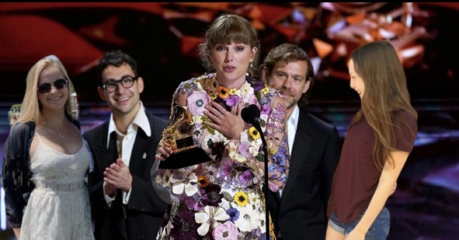 https://www.usmagazine.com/entertainment/news/2021-grammy-awards-taylor-swift-thanks-boyfriend-joe-alwyn/